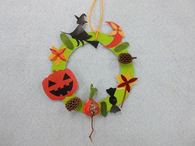 サンダンカ、コウシュンカズラ、ゲットウ等の植物の押し花や木の実を使ってハロウィンの飾りを作ってみよう!
