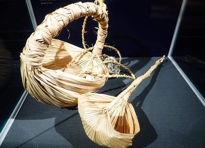 자연 소재를 이용한 도구류(쿠바의 잎 노트르베트히샤쿠)
