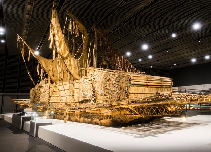 Large canoe (rakatoi) of the Pacific