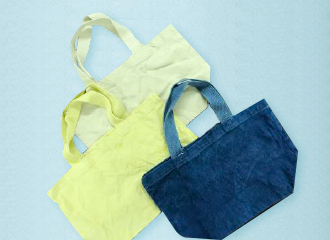 """""""Dyeing with vegetable dyes"""" tote bag"""