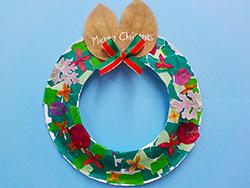 The making of mini-Christmas wreath