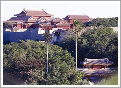 首里城址gusuku裡面的gusuku