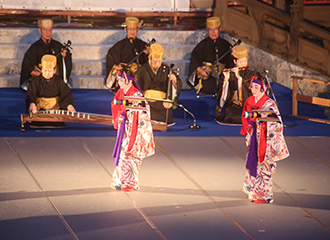 Ryukyu dancing, group dancing